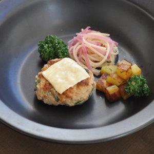 オクラのチーズハンバーグ